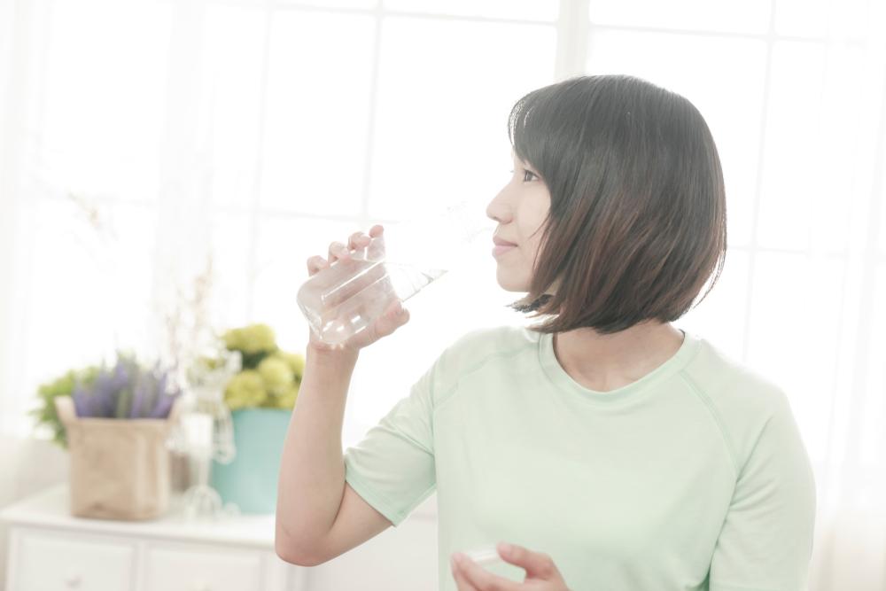 Jangan Salah! Minum Air Saat Perut Kosong Bawa 10 Manfaat